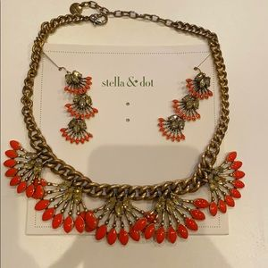 Stella and Dot - Coral Cay necklace and earrings